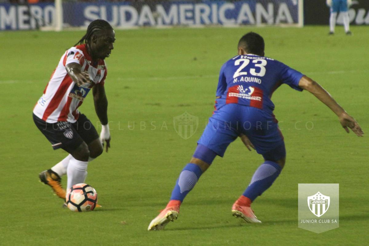 JUNIOR VS CERRO 2.jpg